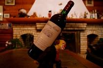 ワインもリーナブルな価格設定です(2000円〜)