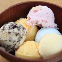 デザートは、みんな大好きアイスクリームのバイキングッ!!
