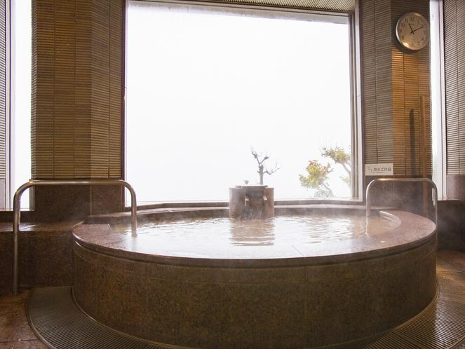 【家族風呂:朝陽】朝日が射し込み金泉がお楽しみいただけます。45分2,200円/90分3,300円