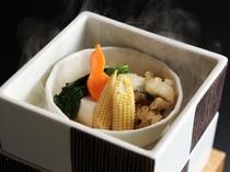 淡路産鱧と胡麻豆腐の湯けむり蒸し
