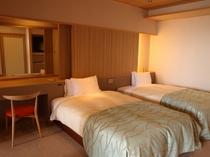 【露天風呂付:和モダン洋室261号室】シモンズ製の高級ベッドで上質なやすらぎを追及しました