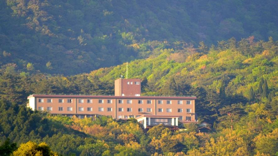 標高700mの高台に建つ旅行人山荘
