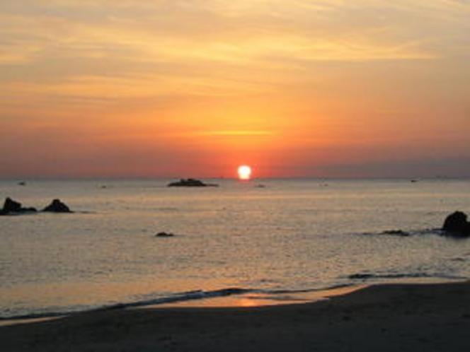 千鳥ヶ浜の朝日 ①