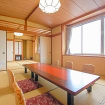 和洋室(8畳と10畳の2間続き+洋室)