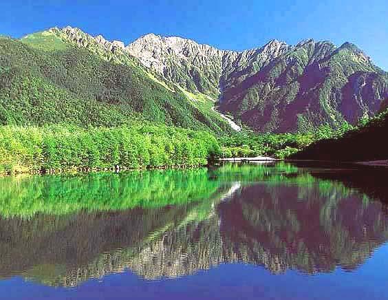 大正池〜穂高連峰を望む