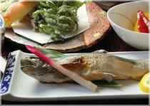 夕食岩魚、