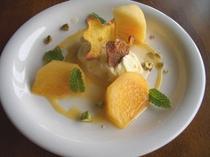 デザート柿のマリネ
