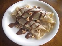 ブルターニュ風クレープ栗とチョコレートのソース