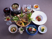 夕食は和風創作会席料理
