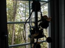 窓辺のランプ