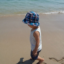千鳥ヶ浜では海水浴も♪ファミリー様に人気です!