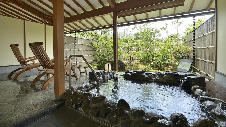 庭園付 客室露天風呂・岩風呂一例