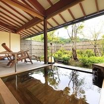 庭園付露天風呂客室・檜風呂一例