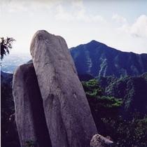 """御在所岳""""おばれ岩"""""""