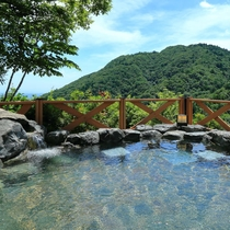 天気がいいと名古屋が一望できる露天風呂