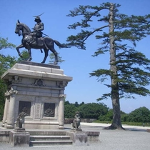 仙台城まで車で10分