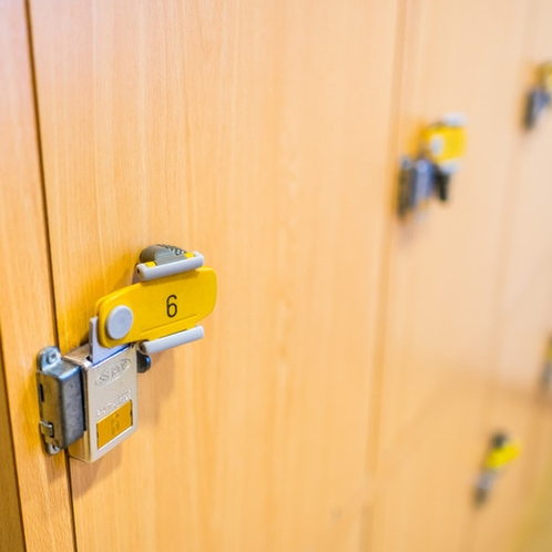 鍵付きロッカー設置