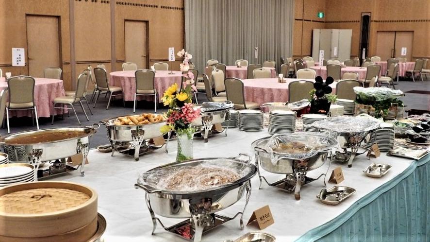 宴会場でのある日の宴席