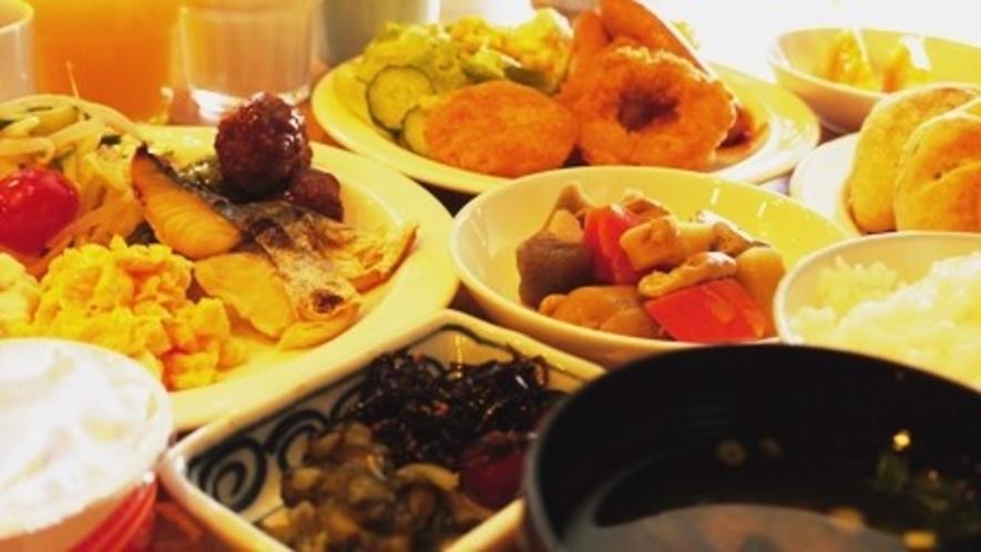朝食レストラン】 和食・洋食バイキング ◆毎日営業 ◆営業時間:6:30~9:00