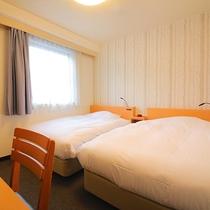 【エコノミーツイン】ベーシックなタイプのツインルーム<120cm幅ベッド・無料Wi-Fi>