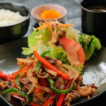 【焼肉】大人気の焼肉定食は、野菜たっぷり!ボリュームも満点◎食べ応えも抜群にあります!