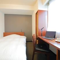 【セミダブル】カップルのお客様に人気のお部屋です♪<120cmベッド・無料Wi-Fi>