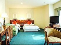 ■客室:スイートルームはナント42平米!