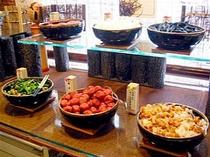 ■朝食:仙台名産・長茄子や東北のお漬物をそろえました。