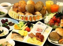 ■朝食:和洋50種メニューの朝食バイキングは市内でもトップクラスの評価♪