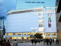 仙台駅前にあるデパートのパルコ