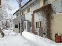 冬のロビン玄関