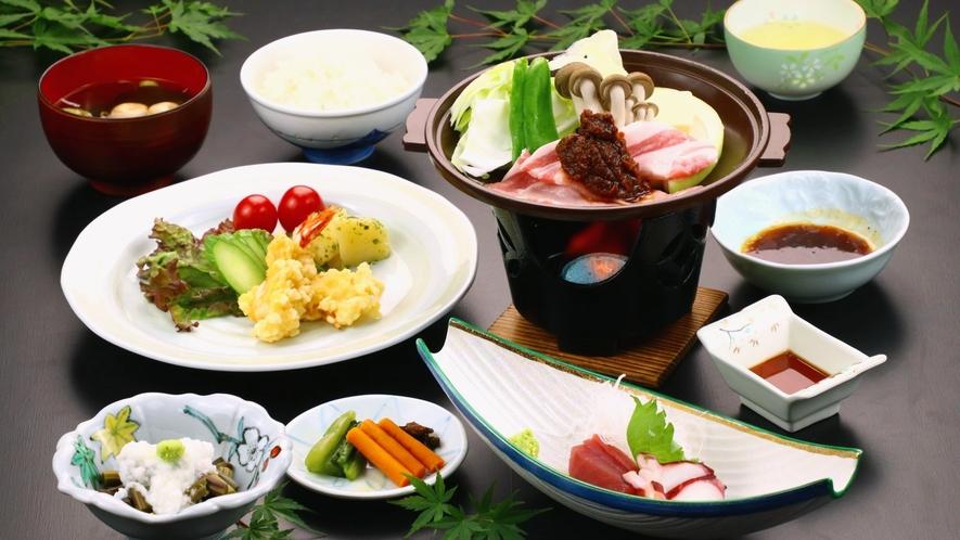 日替り定食(リーズナブル料理) 豚の味噌焼き陶板など