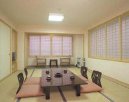 新館和室12畳(バス・トイレ付)