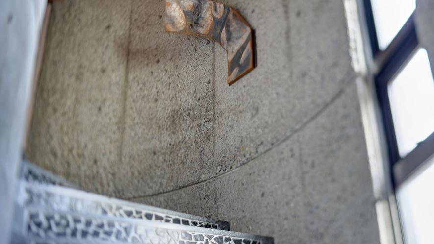 *art work/館内外にオーナーの作品が点在しております