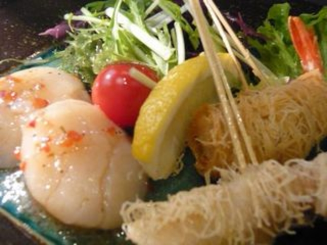ホタテのカルパッチョと海鮮串揚げ