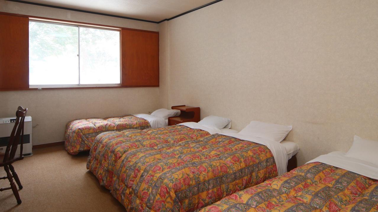洋室 4ベッド (バストイレなし)