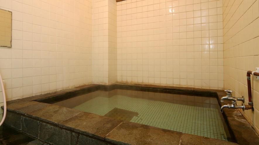 お風呂は24時間入浴可能です。(女湯)