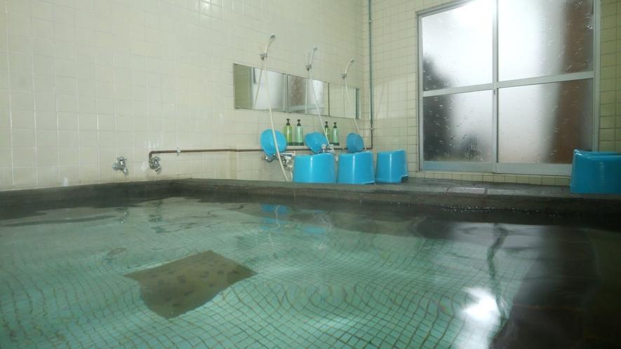 お風呂は24時間入浴可能です。(男湯)