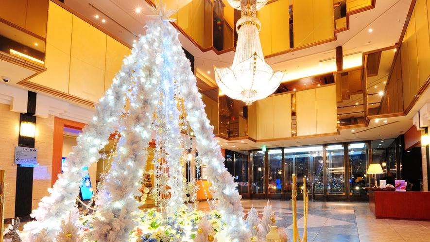 クリスマスイルミネーション☆で飾るフロント♪ 四季の設えでお迎えします