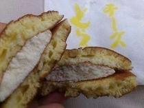 峰温泉 港月堂のチーズどら焼き