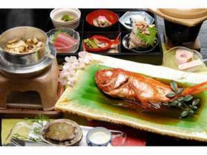 活いき鮑に季節の釜飯人気の金目鯛の煮付けをサービス価格で