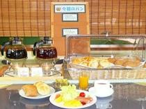 ご朝食(イメージ)・パンはセルフスタイルで