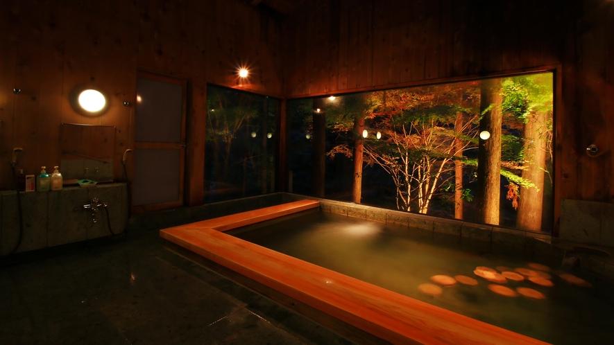 「絶景」ってやつもいいですが、静かな沢に寄り添う風呂もなかなかのものですよ