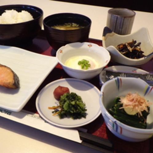 *【お食事例(和朝食)】ご飯にお味噌汁♪体に優しい和朝食をどうぞ!