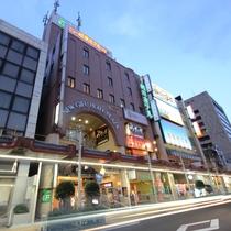 ホテル全景★夜