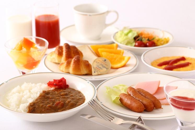 「朝食」ディネット特製「モーニングカレー」も美味しいですよ。