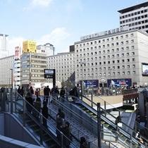 外観(JR大阪駅より)