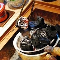 囲炉裏の炭