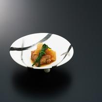 料理一例 麦豚角煮