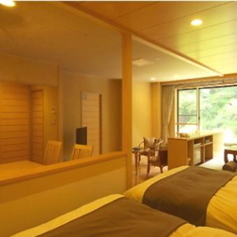 別邸六花・半露天風呂付リバーフロント客室和洋室タイプ